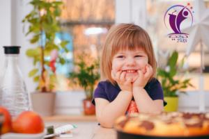 متى يبدأ الطفل بالأكل .. تعرف على أفضل وجبات التغذية لطفلك؟