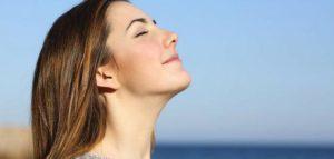 التنفس للتخفيف من الام المعدة