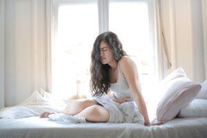طرق علاج الام المعدة في المنزل بطرق بسيطة وفعالة