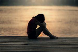 أعراض الاكتئاب المفاجئ وأسبابه مع التحليل